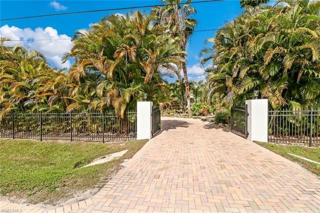 6175 English Oaks LN, Naples, FL 34119 - #: 220060395