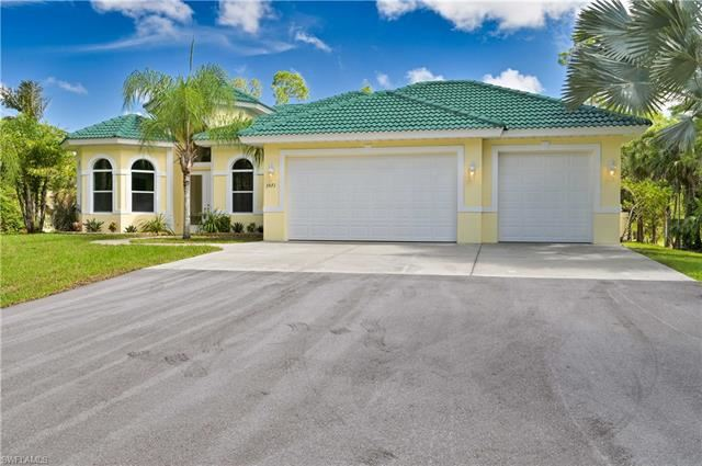 3571 3rd AVE NW, Naples, FL 34120 - #: 221043403