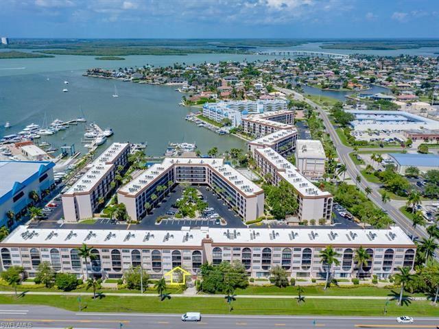 1024 Anglers CV #C-303, Marco Island, FL 34145 - #: 220037421