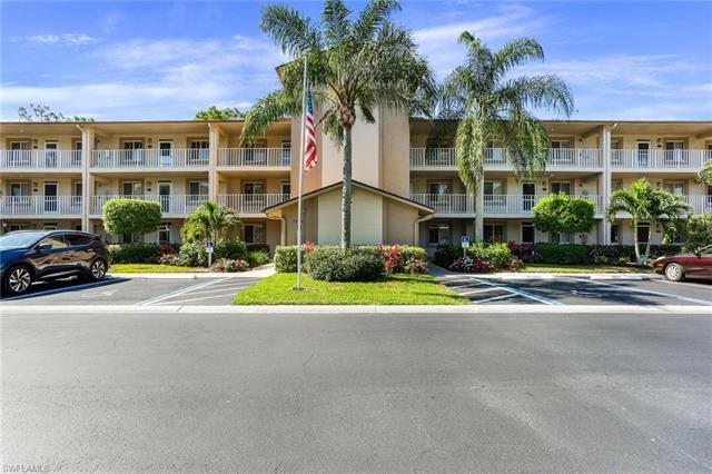 7320 Glenmoor LN #2109, Naples, FL 34104 - #: 221026429