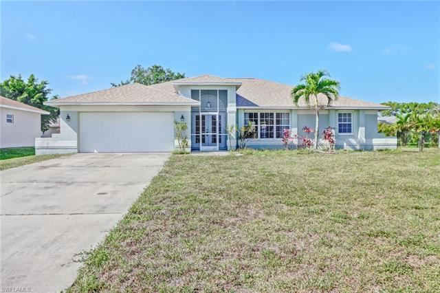 3281 Lemon LN, Naples, FL 34120 - #: 221032469