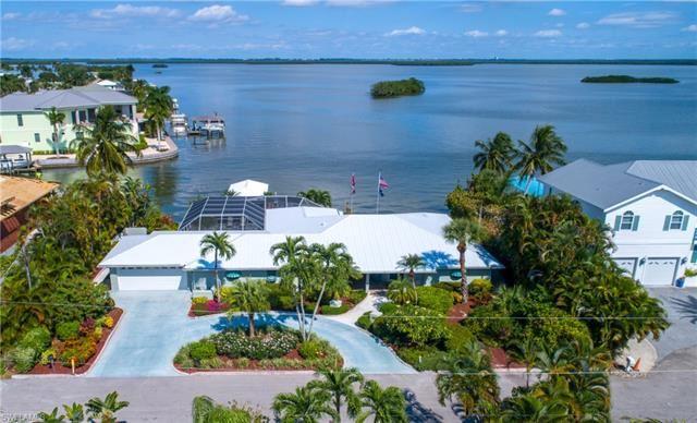 55 Fairview BLVD, Fort Myers Beach, FL 33931 - #: 219067500