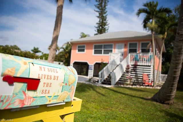 126 Coconut DR, Fort Myers Beach, FL 33931 - #: 220001534