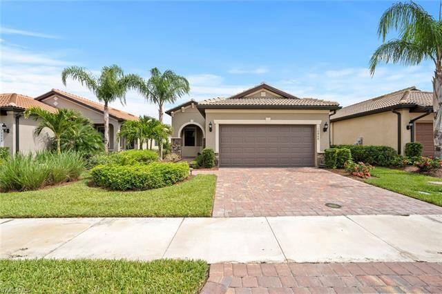 10868 Glenhurst ST, Fort Myers, FL 33913 - #: 220032557