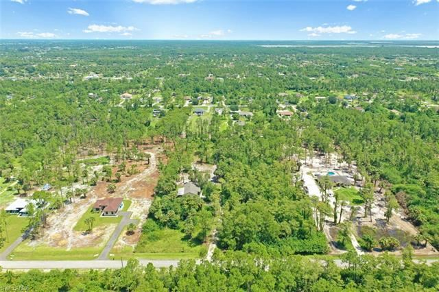 Photo of 16th AVE NE, NAPLES, FL 34120 (MLS # 221046565)