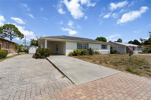 27620 Roslin DR, Bonita Springs, FL 34135 - #: 221022567