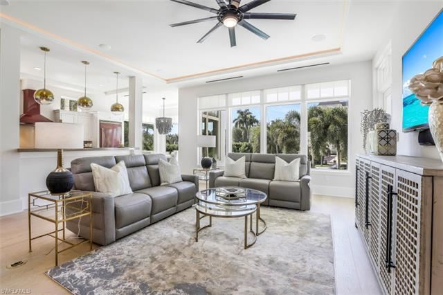 1724 Gulf Shore BLVD N, Naples, FL 34102 - #: 221032588