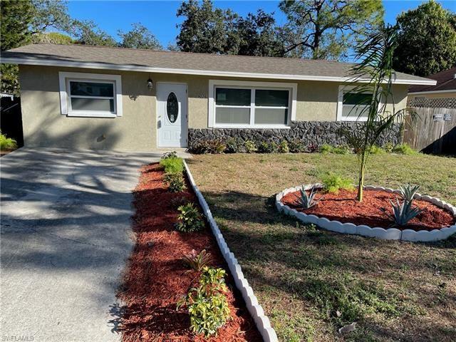9026 Somerset LN, Bonita Springs, FL 34135 - #: 221011596