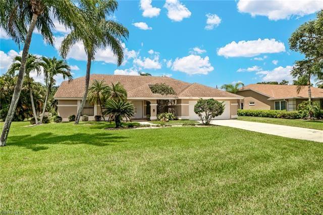 28440 Winthrop CIR, Bonita Springs, FL 34134 - #: 220038617