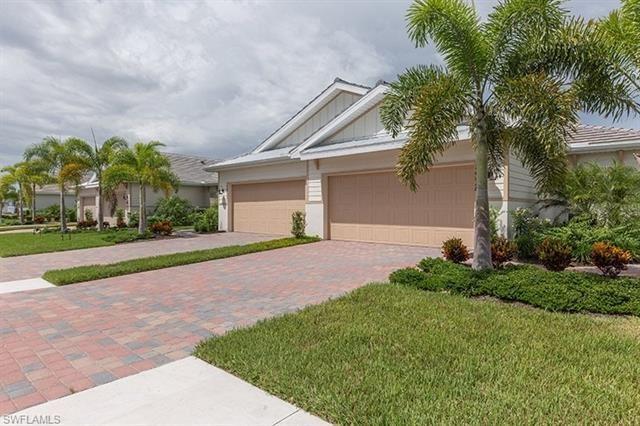 Photo of 14727 Edgewater CIR, NAPLES, FL 34114 (MLS # 221054630)