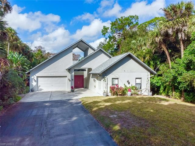 2751 68th ST SW, Naples, FL 34105 - #: 221006668