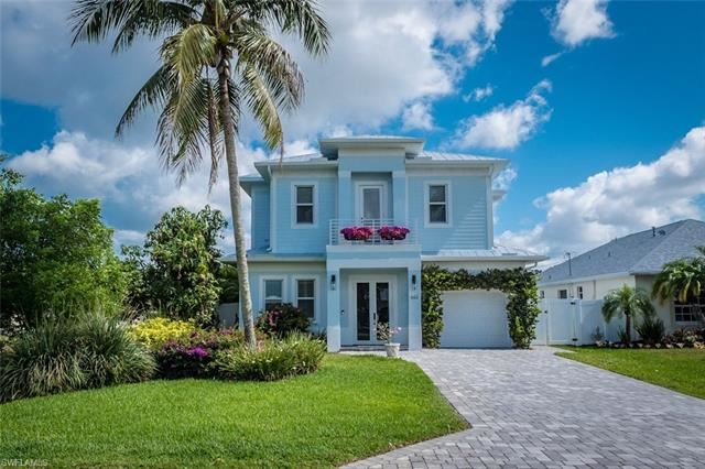 665 103rd AVE N, Naples, FL 34108 - MLS#: 221035693