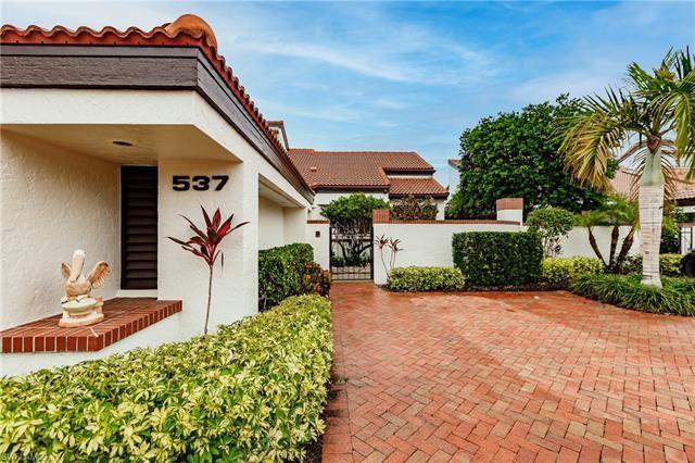 537 Bay Villas LN #100, Naples, FL 34108 - #: 221041697