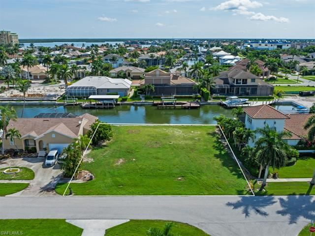 Photo of 921 Giralda CT, MARCO ISLAND, FL 34145 (MLS # 221067704)