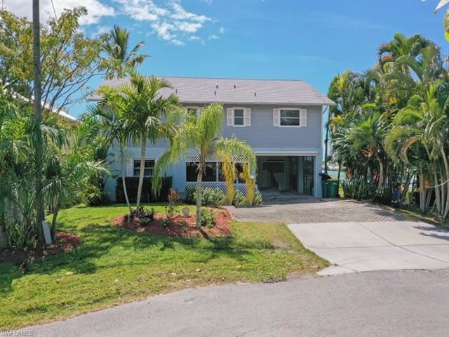 584 Coconut AVE, Goodland, FL 34140 - #: 220081715