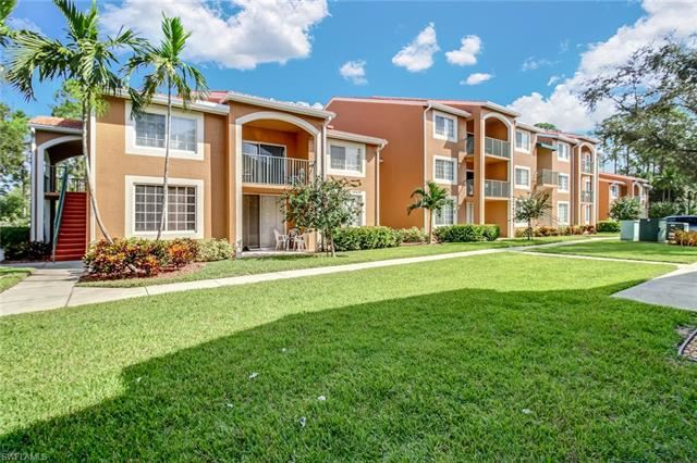 1220 Wildwood Lakes BLVD #102, Naples, FL 34104 - #: 220062729
