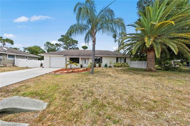 18431 Hawthorne RD, Fort Myers, FL 33967 - #: 221040765