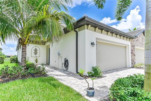 9071 Woodhurst DR, Naples, FL 34120 - #: 221046779