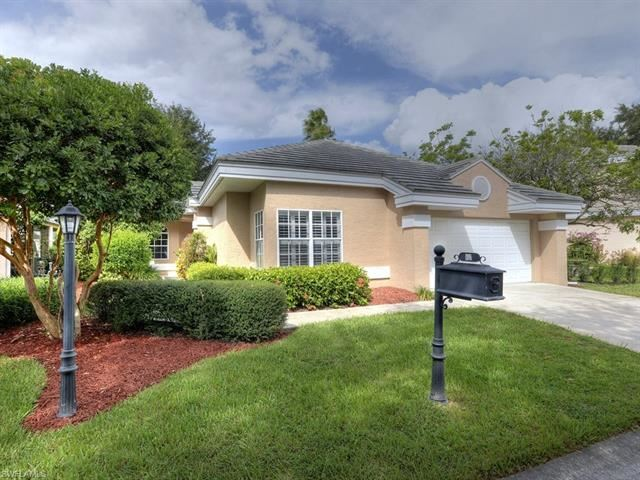 60 Fountain CIR, Naples, FL 34119 - #: 221004853