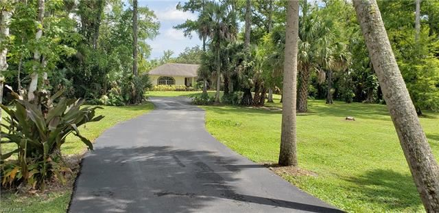 460 12th AVE NW, Naples, FL 34120 - #: 220042859