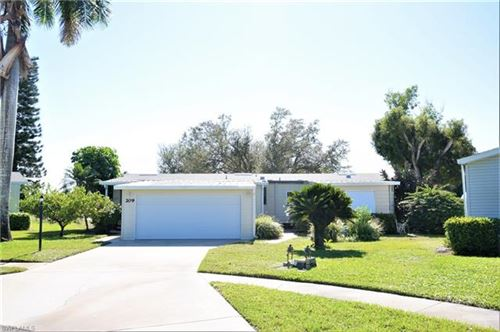 Photo of 209 Belle Isle CT, NAPLES, FL 34112 (MLS # 220005895)
