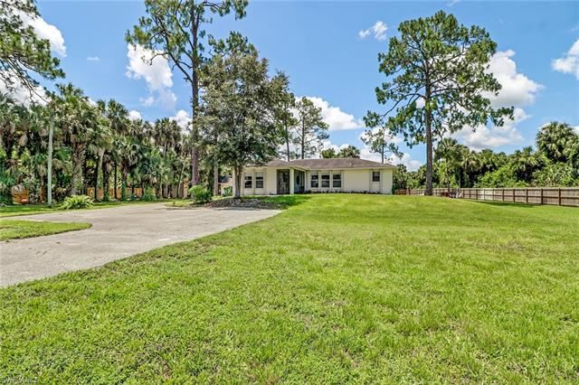 210 12th AVE NW, Naples, FL 34120 - #: 220037907