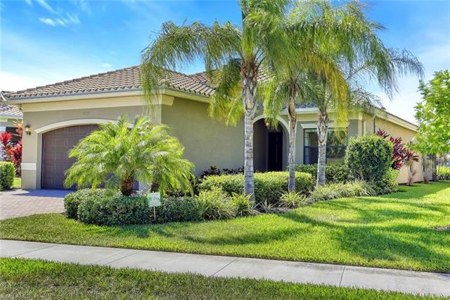 11571 Meadowrun CIR, Fort Myers, FL 33913 - #: 220029915