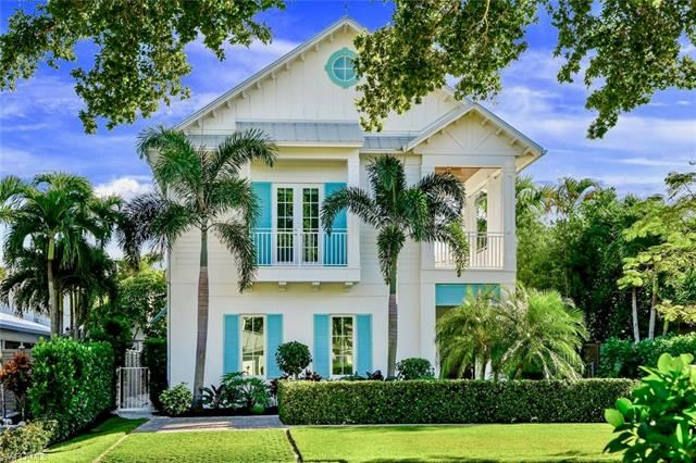 242 2ND AVE S, Naples, FL 34102 - #: 220051922