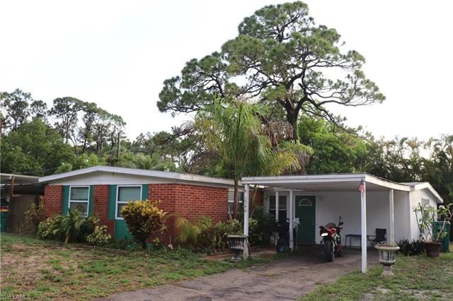 1340 Pine ST, Naples, FL 34104 - #: 221041944