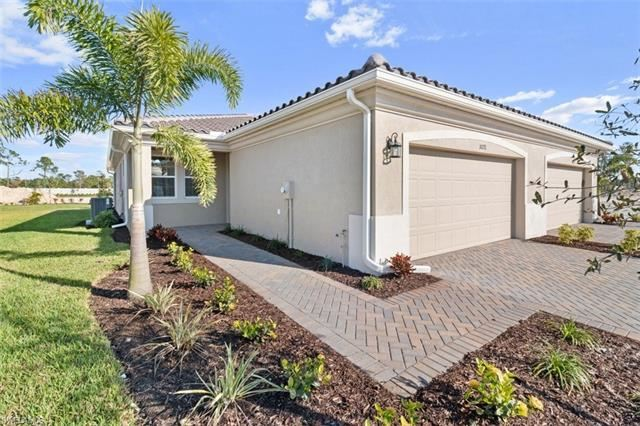 10271 BONAVIE COVE DR, Fort Myers, FL 33966 - #: 219073951