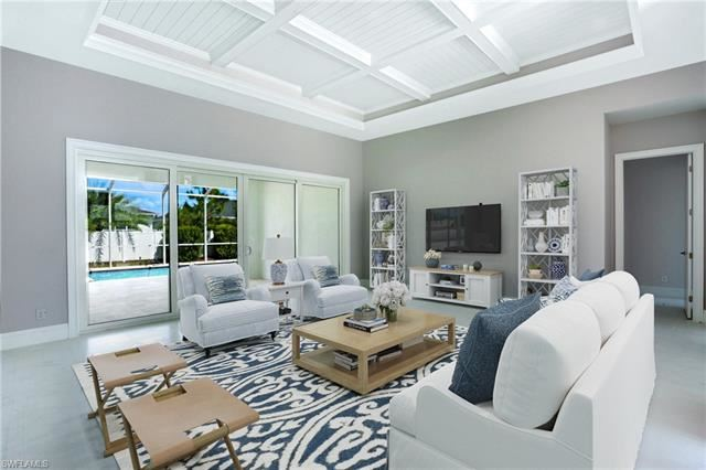 3 Willoughby DR, Naples, FL 34110 - #: 221071967