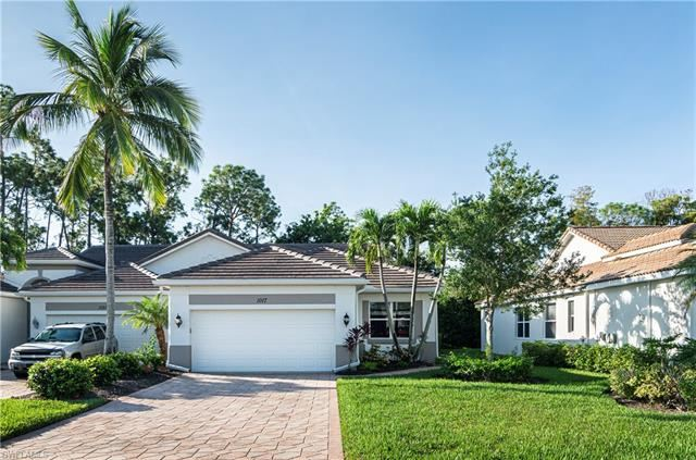 1017 Eastham CT #44, Naples, FL 34104 - #: 220063976