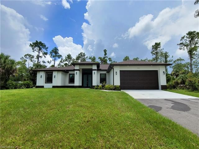 Photo of 2762 6th AVE SE, NAPLES, FL 34117 (MLS # 221055985)
