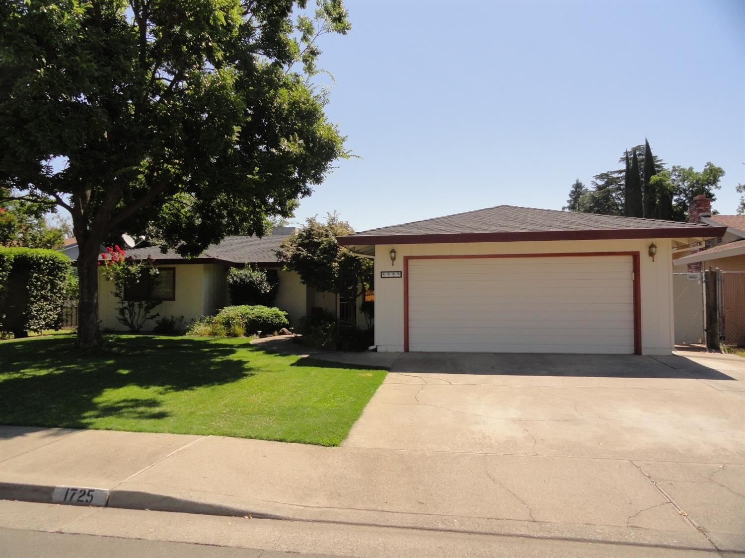 1725 Clark Avenue, Yuba City, CA 95991 - #: 202101112