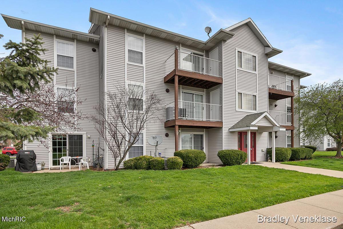122 Ida Red Avenue #204, Sparta, MI 49345 - MLS#: 21012005