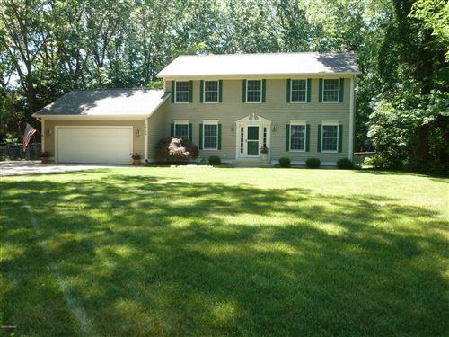 Photo of 16138 Vandenberg Drive, Grand Haven, MI 49417 (MLS # 20024007)
