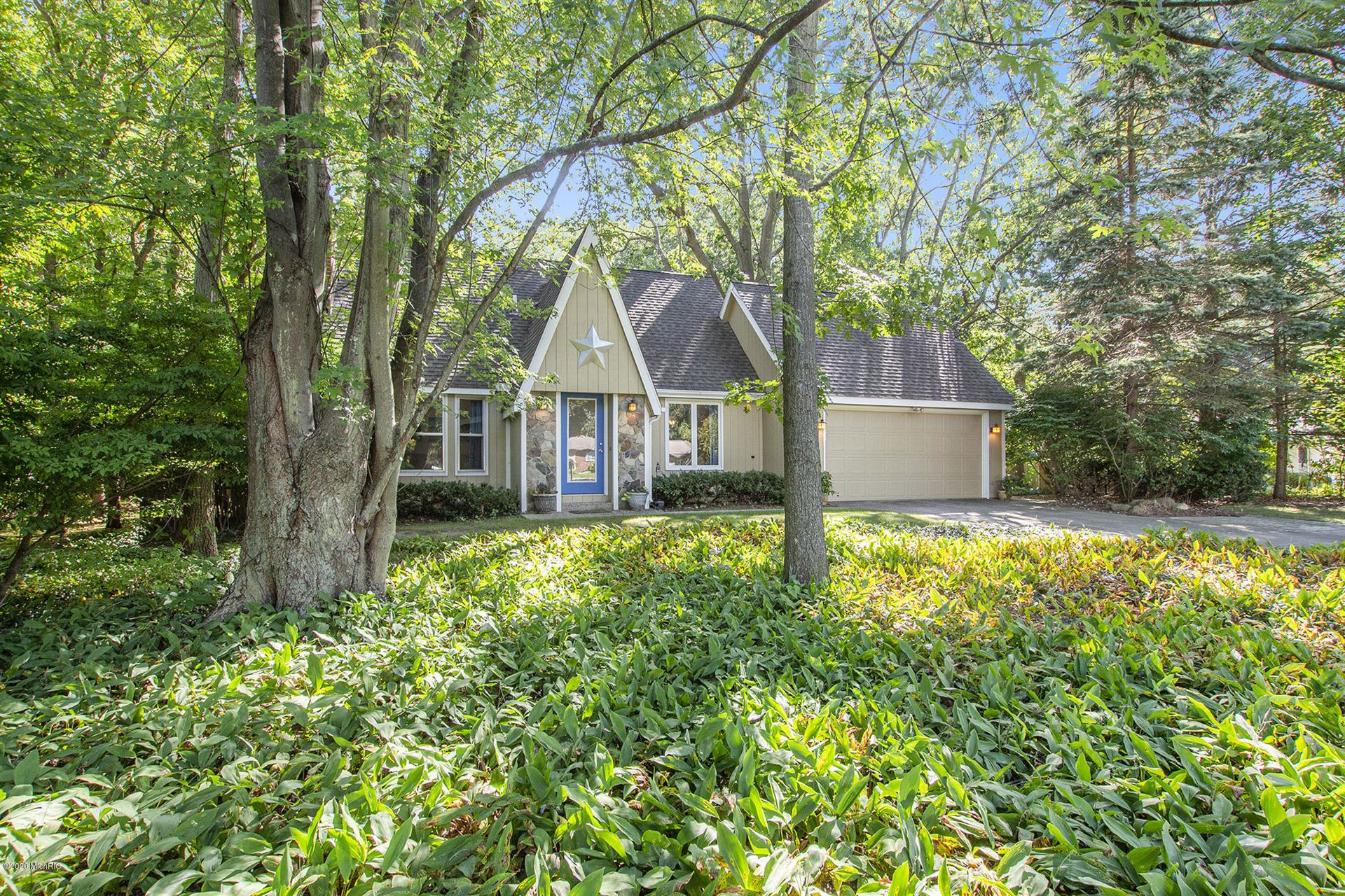 Photo of 450 S Lakeshore Drive, Holland, MI 49424 (MLS # 20039012)