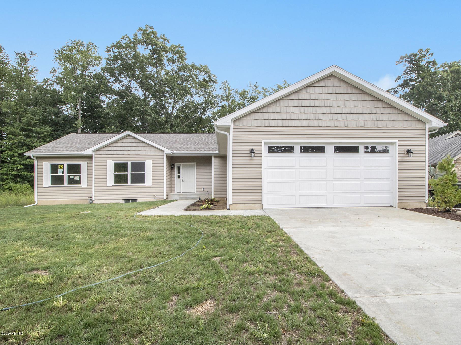 70333 Lakeview Drive, Edwardsburg, MI 49112 - MLS#: 19059013