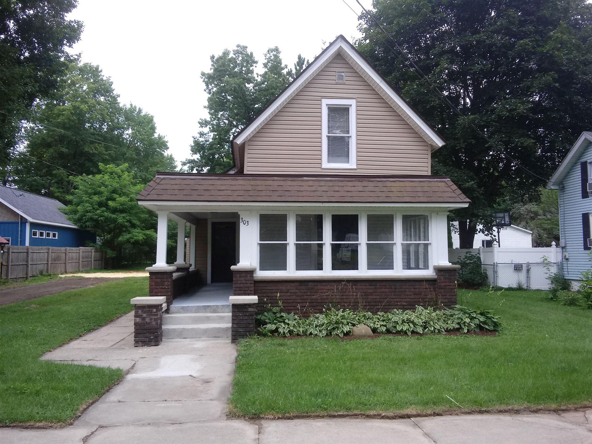 303 W Wayne Street, Dowagiac, MI 49047 - MLS#: 21099018