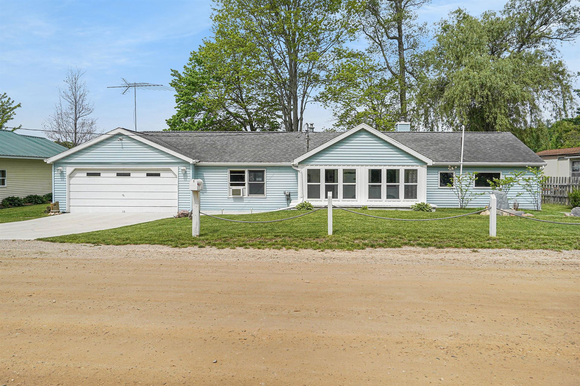 1031 S Coolidge Avenue, Six Lakes, MI 48886 - MLS#: 21020022