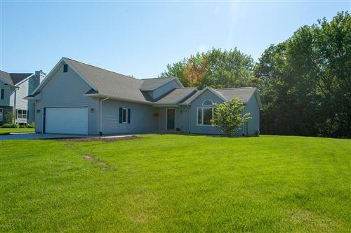 Photo of 3988 Green Acre Drive, St. Joseph, MI 49085 (MLS # 20020024)
