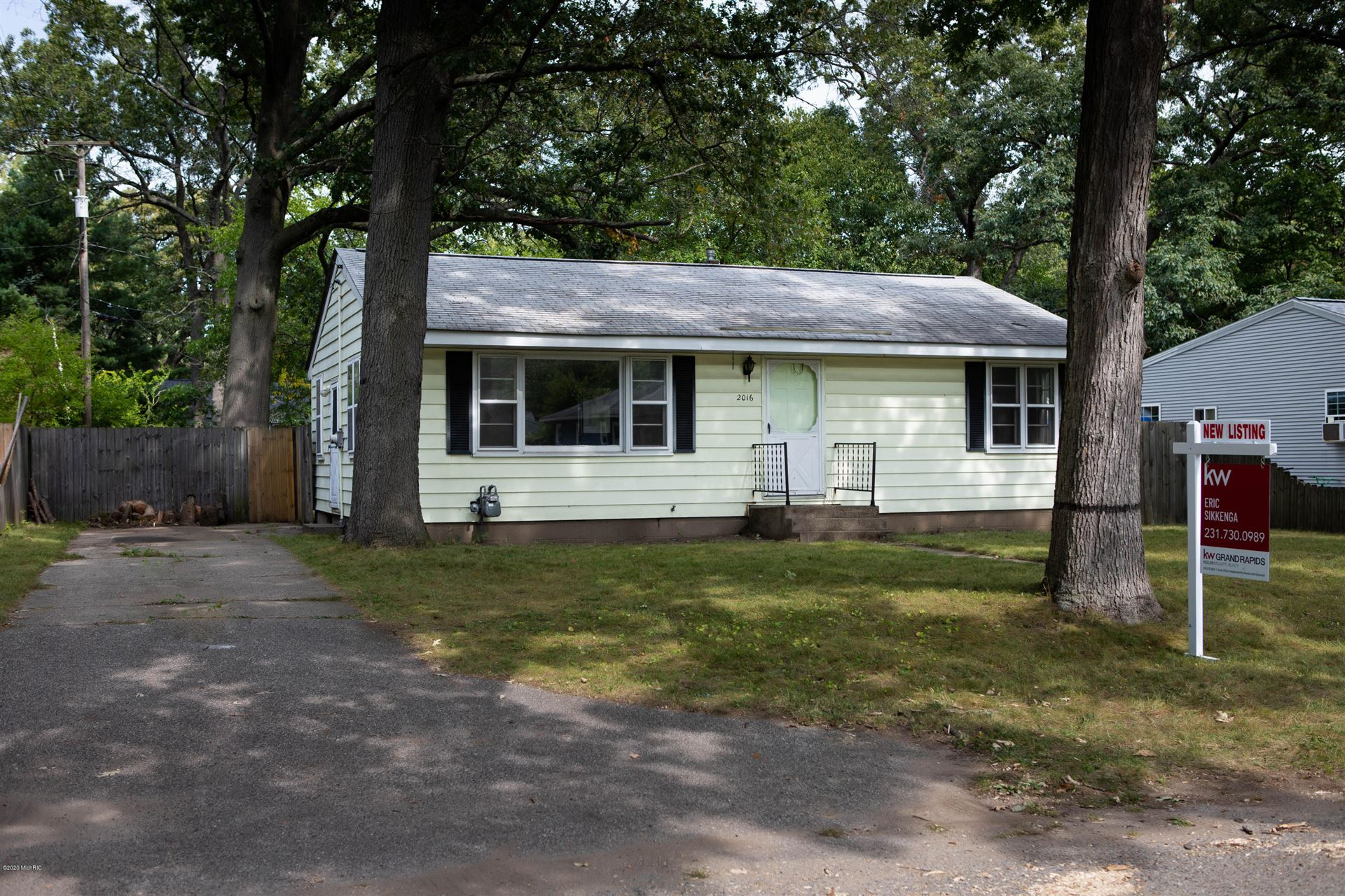 Photo of 2016 Marcoux Avenue, Muskegon, MI 49442 (MLS # 20039029)