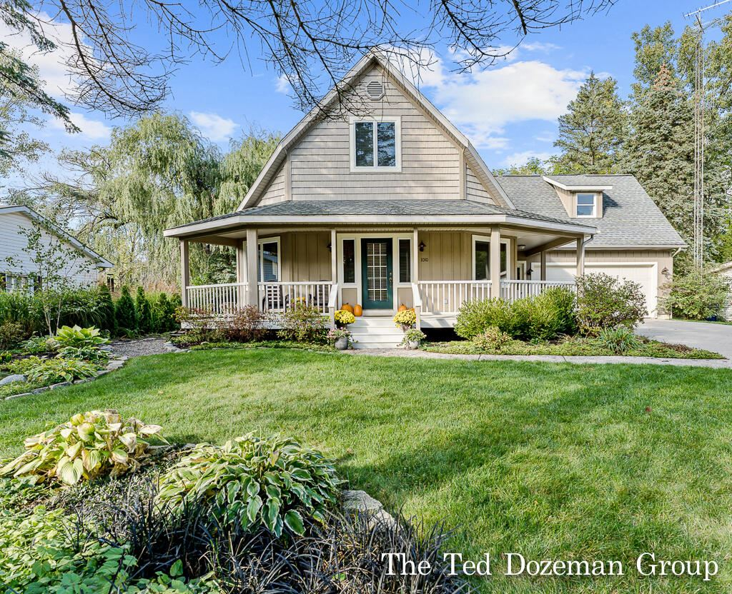 Photo of 1010 Colonial Court, Holland, MI 49423 (MLS # 21111030)