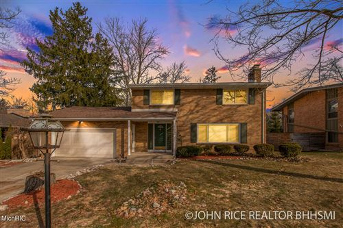 Photo of 2747 Maplewood Drive SE, East Grand Rapids, MI 49506 (MLS # 21005031)