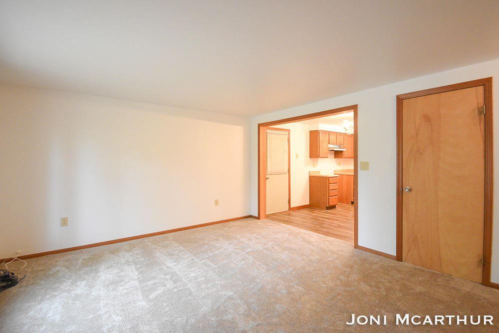 Photo of 8405 Oakview Avenue, Rockford, MI 49341 (MLS # 21016032)