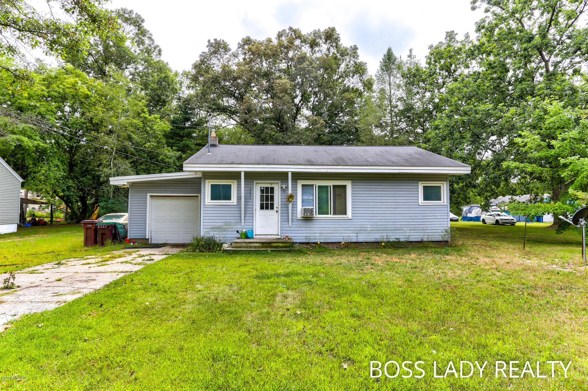Photo of 3875 E Laketon Avenue, Muskegon, MI 49442 (MLS # 20039033)