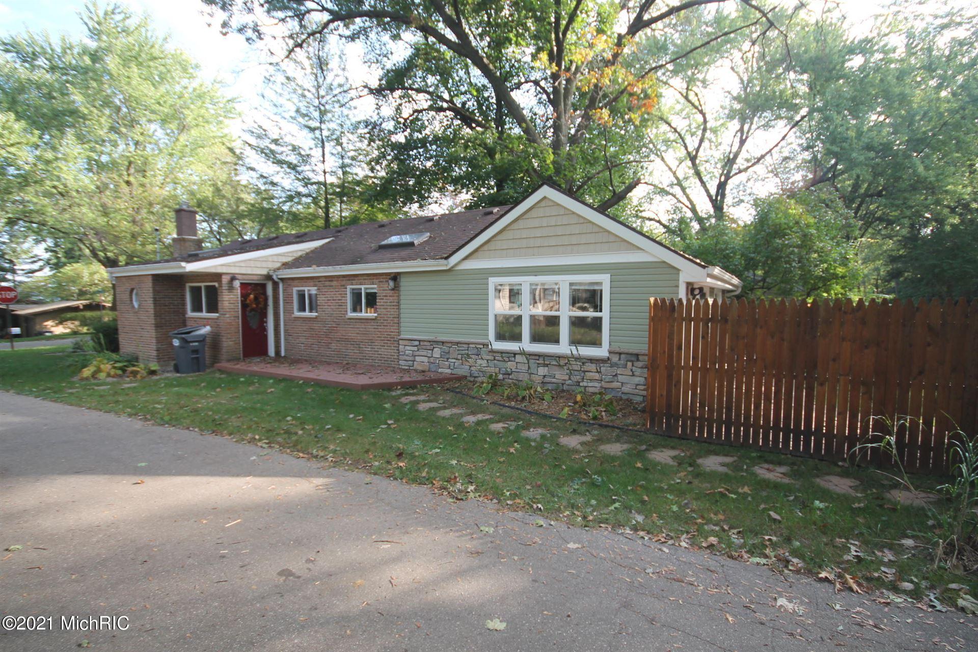 906 Lakeview Drive, Portage, MI 49002 - MLS#: 21002034