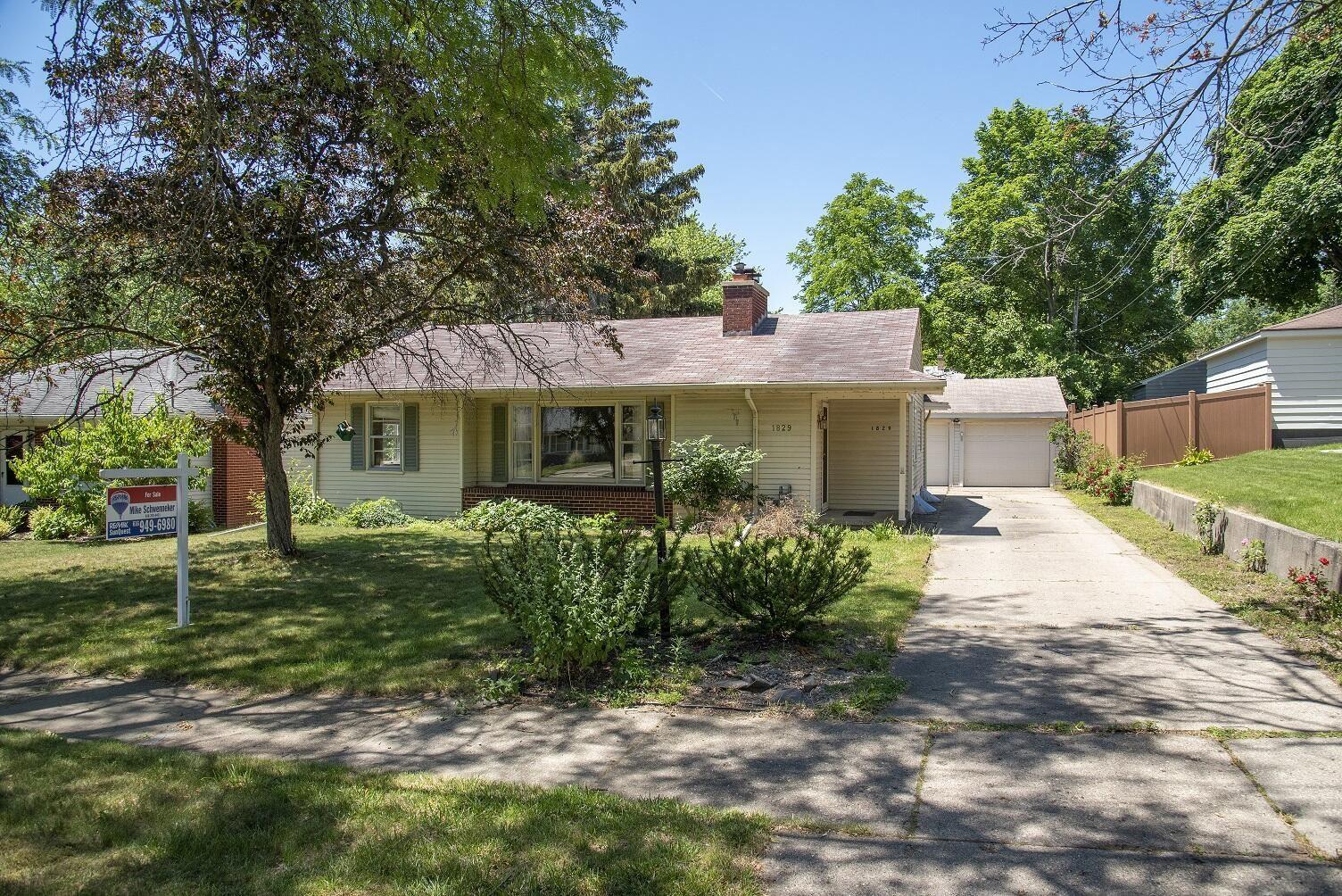 1829 Newton Avenue SE, Grand Rapids, MI 49506 - MLS#: 21023035
