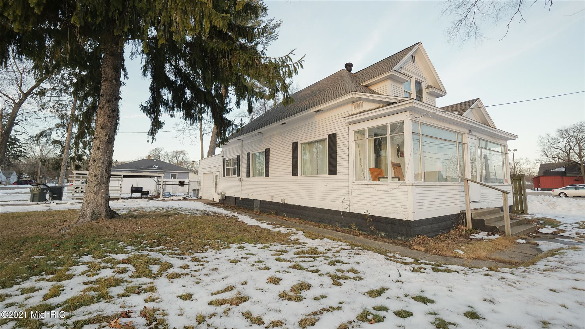 1216 E Apple Avenue, Muskegon, MI 49442 - MLS#: 21001043