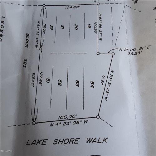 Photo of 8264 N Perch Lake Dr Drive, Bitely, MI 49309 (MLS # 20041047)
